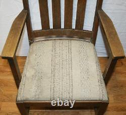 Antique Oak Arts and Crafts Mission Dining Armchair. Nice Patina