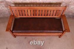 Gustav Stickley Mission Oak Arts & Crafts Settle Sofa, Circa 1900