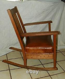 Mission Oak Rocker / Rocking Chair (R178)